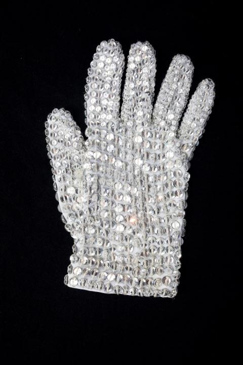 white_glove-1